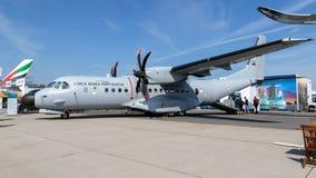 Les militaires portugais de la maison C295 de l'Armée de l'Air EADS transportent des avions photos libres de droits