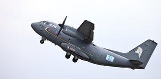 Les militaires spartiates de C-27J transportent Images stock