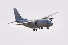 Les militaires transportent des aéronefs Photographie stock libre de droits