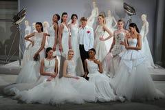 Les modèles apparaissent à un pain grillé à Tony Ward : Une collection nuptiale spéciale Images stock