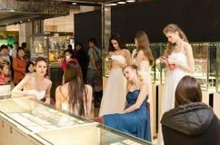 Les modèles attendent des représentations Photo stock