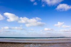 Les modèles complexes de sable sur le câble échouent, Broome, Australie occidentale Photographie stock libre de droits