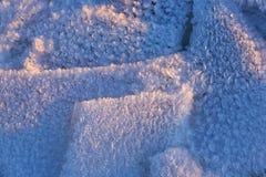 Les modèles faits par le gel sur la piscine glacée Photos stock