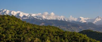 Les montagnes aménagent en parc, Tien-Shan Mountains, Almaty, Kazakhstan Image libre de droits