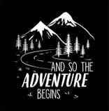 Les montagnes appellent le vecteur d'illustration, avec la route et le signe, et ainsi l'aventure commence Photos stock