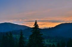 Les montagnes carpathiennes 25 Image libre de droits