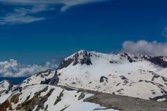 Les montagnes de Caucase sont un système de montagne en Asie occidentale entre la Mer Noire et la Mer Caspienne dans la région de Image stock