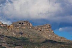 Les montagnes de Caucase sont un système de montagne en Asie occidentale entre la Mer Noire et la Mer Caspienne dans la région de Photographie stock