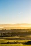 Les montagnes de l'Ecosse à l'hiver froid dégagent le ciel d'air de lever de soleil Photos stock