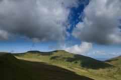 Les montagnes de la fan du stylo y et du maïs du dans les balises de Brecon Photo stock