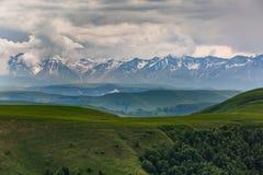 Les montagnes de la Russie, Caucase, Kabardino-Balkarie Le formatio Photo stock
