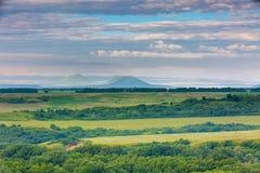 Les montagnes de la Russie, Caucase, région de Stavropol Nuages au-dessus de Th Photos stock