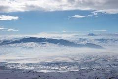 les montagnes de support d'ararat s'approchent de l'hiver de dinde Photos libres de droits