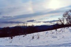 Les montagnes incroyables regardent photo stock