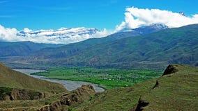 Les montagnes majestueuses du Caucase Photos stock