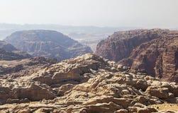 Les montagnes s'approchent de PETRA jordan Photo stock