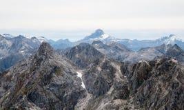 Les montagnes s'approchent de Queenstown en Nouvelle Zélande Photo libre de droits