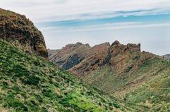 Les montagnes scéniques de la visibilité directe Gigantes s'étendent, Ténérife Image libre de droits