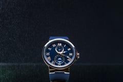 Les montres des hommes chers Photographie stock libre de droits