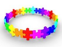 Les morceaux de puzzle reliés forment un cercle Photographie stock libre de droits