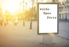 Les mots ont la puissance - mots, expression photos libres de droits
