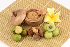 Les moyens de Triphala (nom thaïlandais) trois fruits contiennent le belerica de Terminalia (Gaertn ) Roxb ), chebula Retz de Ter images stock