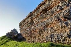 Les murs romains de château chez Burgh se retranchent en Norfolk images libres de droits
