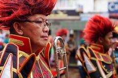 Les musiciens de bande jouent la trompette pendant l'exposition annuelle de bande en laiton image stock