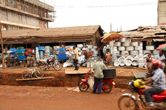 Les négociants de rue dans Kampala, Ouganda Photographie stock