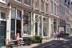 Les neuf rues avec des magasins de vintage et des cafés confortables, Amsterdam Image libre de droits