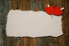 Les notes et le coeur blancs d'amour de papier de feuille forment Photos libres de droits