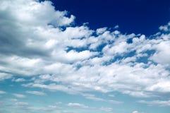Les nuages de blanc. Photos stock