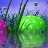 Les oeufs de pâques représente l'herbe verte et l'environnement Image libre de droits