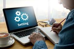 Les outils d'installation de configuration installation et l'arrangement de mécanisme de roue escroquent Photo libre de droits