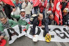 Les ouvriers métallurgistes d'Alcoa expliquent à Rome Photo libre de droits