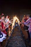 Les pèlerins allument des bougies dans l'ermitage de l'EL Rocio, Espagne Photographie stock libre de droits