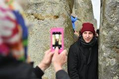 Les païens et les druides marquent le solstice d'hiver chez Stonehenge Photos libres de droits