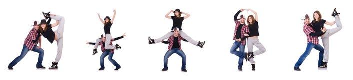 Les paires de danseurs dansant des danses modernes Photographie stock libre de droits