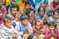 Les parents avec chldren dans le Bihar Image stock
