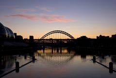 Les passerelles de Tyne au coucher du soleil Photographie stock libre de droits
