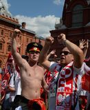 Les passionés du football polonais chez le Manezhnaya ajustent pendant la coupe du monde Coupe du monde de la FIFA, Mundial 2018 Image libre de droits