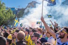 Les passionés du football suédois célèbrent les champions européens Photos stock