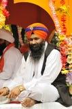 Les passionnés sikhs participent au cortège de Baisakhi Photographie stock
