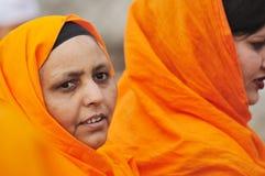 Les passionnés sikhs participent au cortège de Baisakhi Image libre de droits