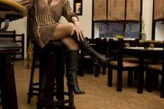 Les pattes du femme Photographie stock libre de droits