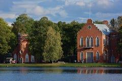 Les pavillons d'Amirauté dans la Catherine se garent, St Petersburg, Russie Photo stock