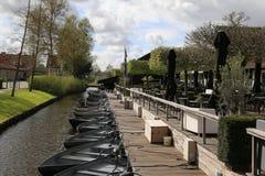 Les PAYS-BAS - 13 avril : Arrosez le village dans Giethoorn, Pays-Bas le 13 avril 2017 Photos libres de droits