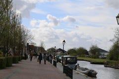 Les PAYS-BAS - 13 avril : Arrosez le village dans Giethoorn, Pays-Bas le 13 avril 2017 Image stock