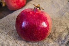 Les peintures de grenade, photos de grenade organique naturelle portent des fruits, Images libres de droits