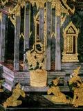 Les peintures murales de Ramayana de, étranger lutte les dieux et la chimère sur des murs de palais Bangkok, Thaïlande de rois image stock